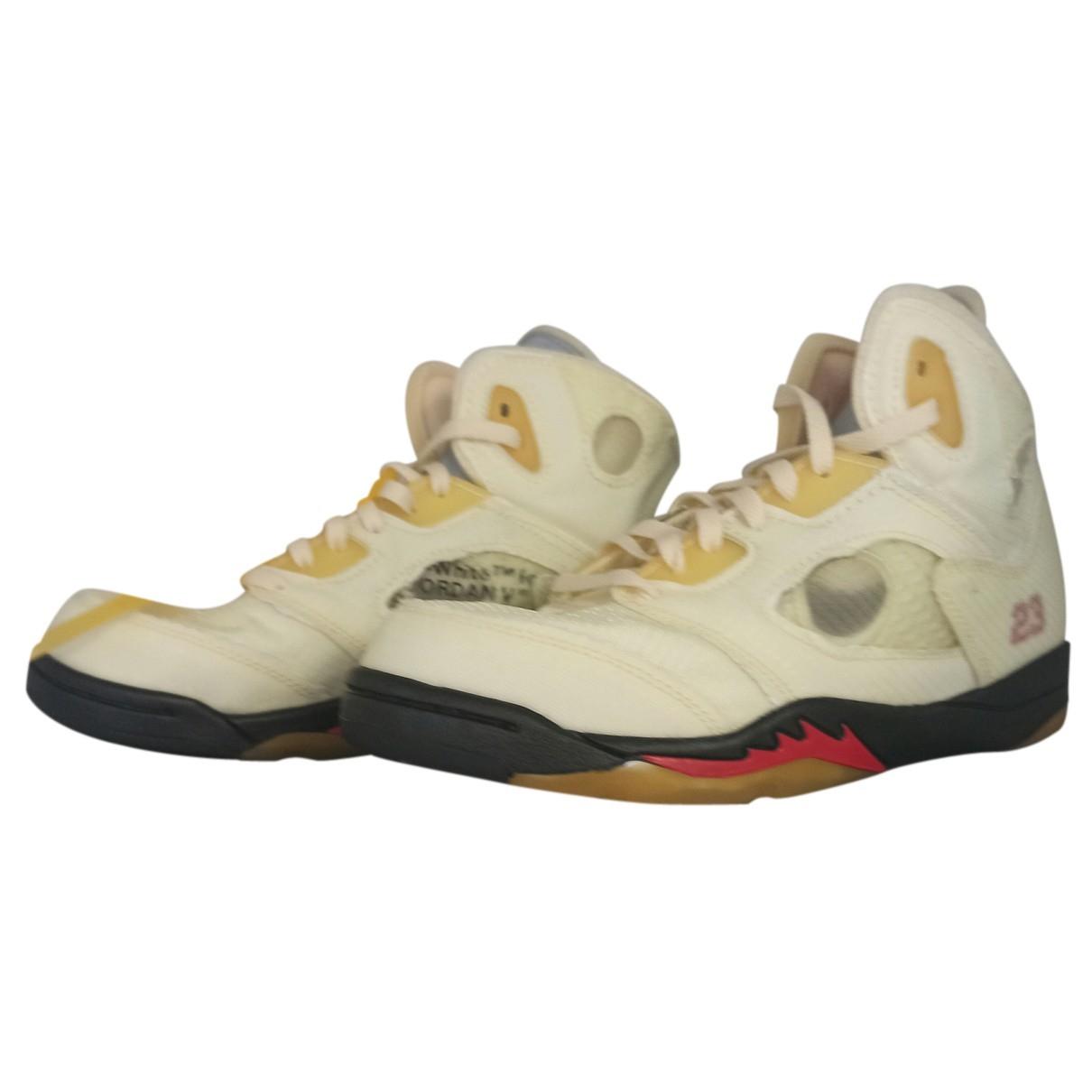 Jordan Air Jordan 5 Sneakers in  Gelb Polyester