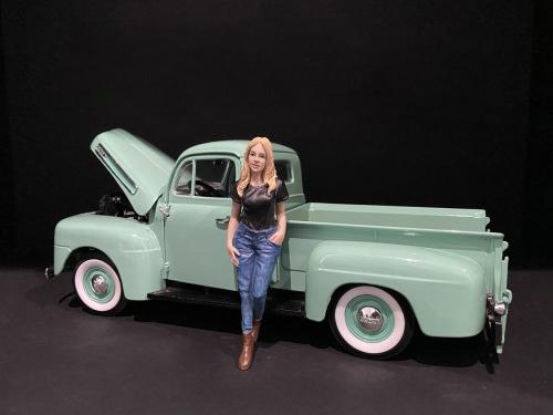 Car Girl in Tee Rachel Figurine for 1/24 Scale Models by American Diorama