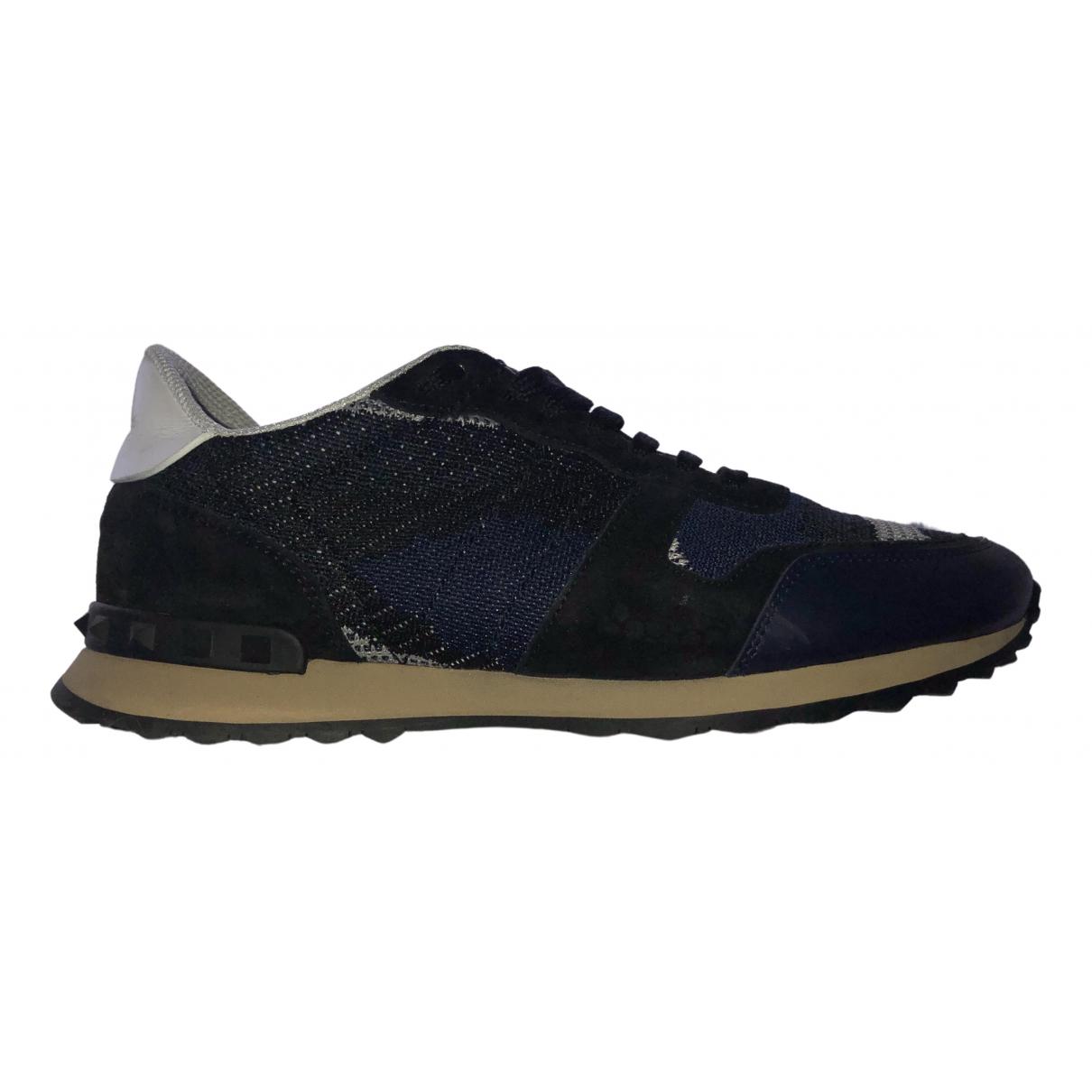 Valentino Garavani Rockrunner Sneakers in  Marine Leinen