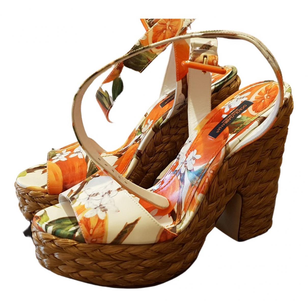 Dolce & Gabbana \N Sandalen in  Orange Leder