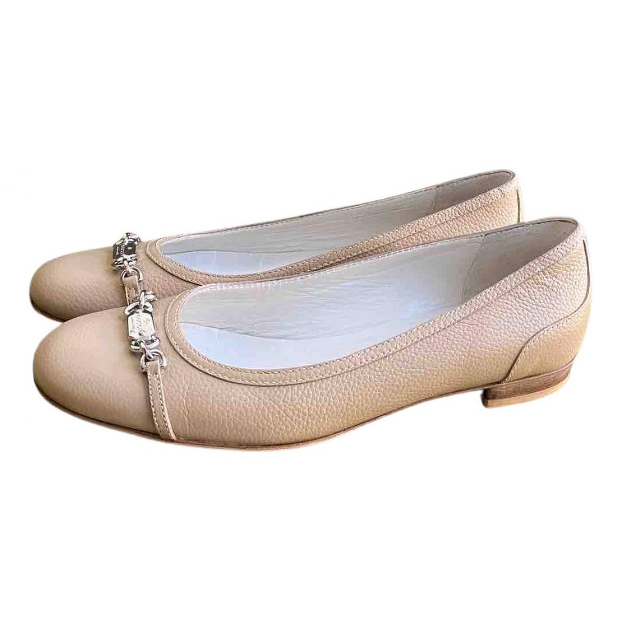 Gucci \N Ballerinas in  Beige Leder