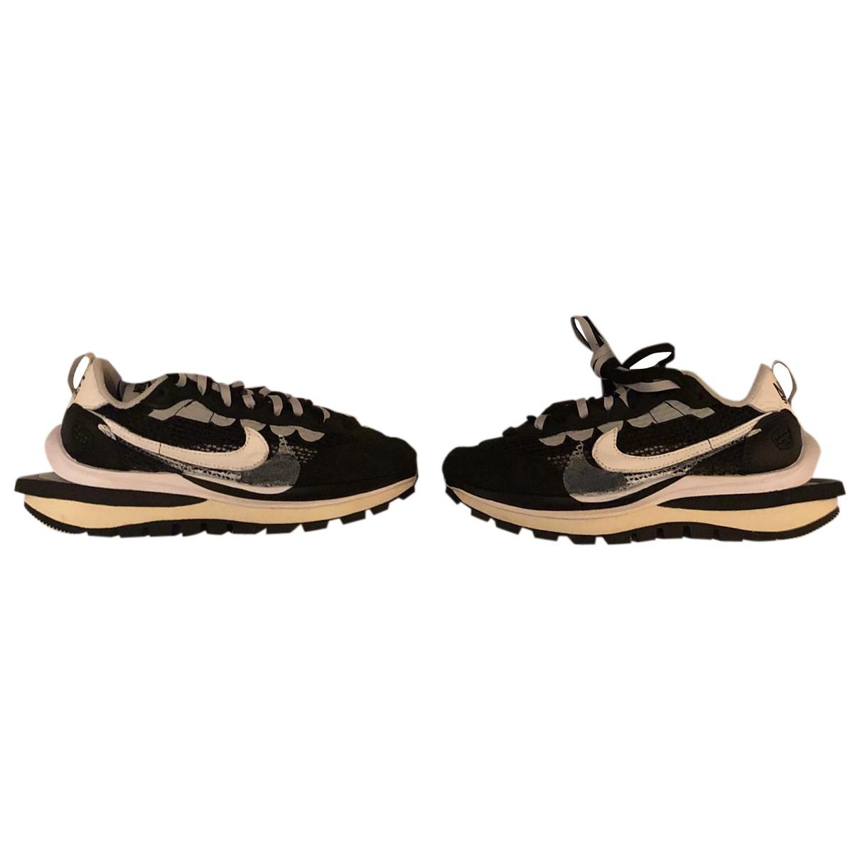 Nike X Sacai - Baskets Vaporwaffle pour femme en suede - noir