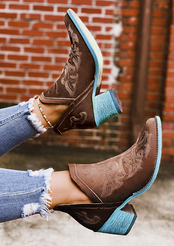 Plus Size Women Comfy Embroideried Pointed Toe Chunky Heel Single Boots