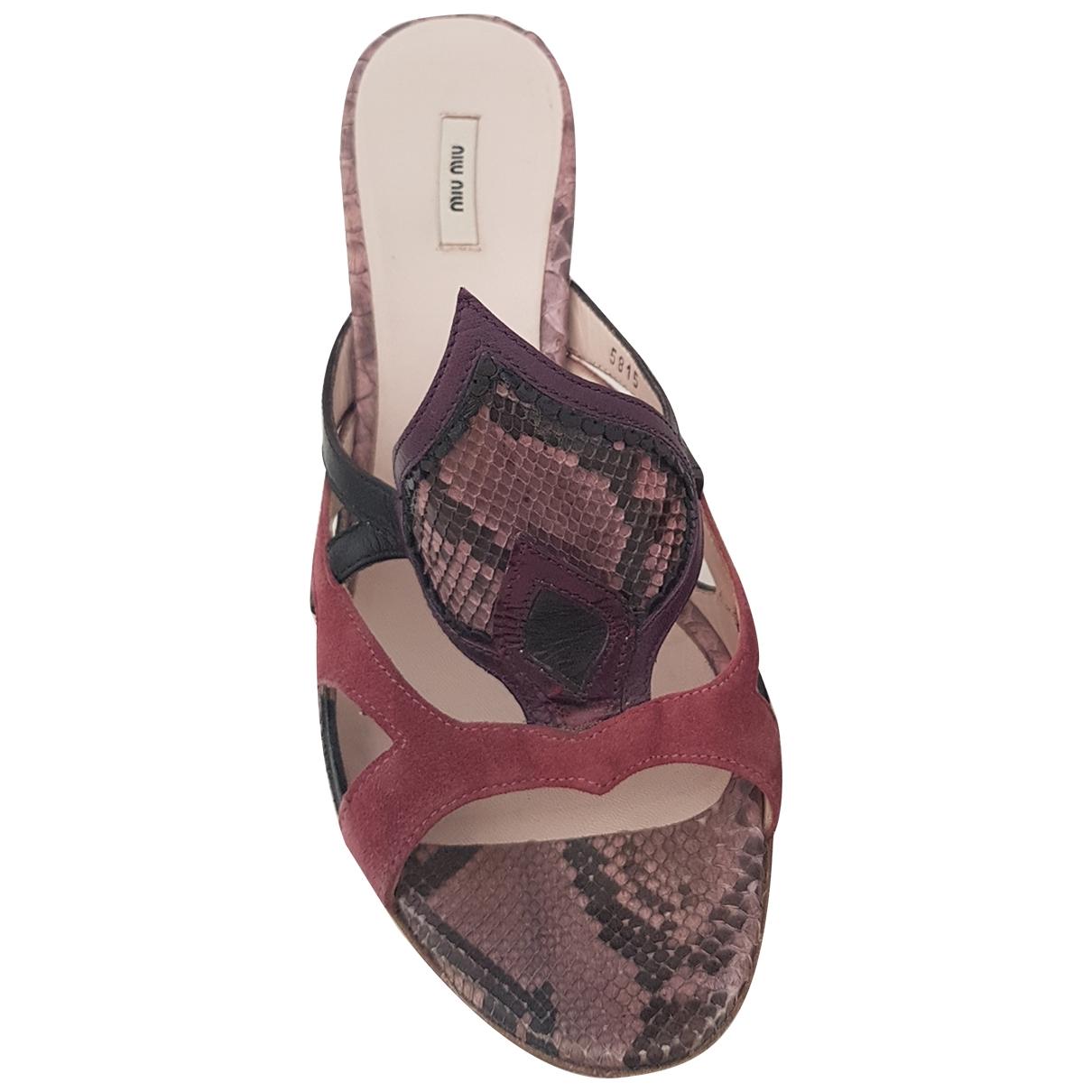 Miu Miu \N Sandalen in  Lila Wasserschlangen