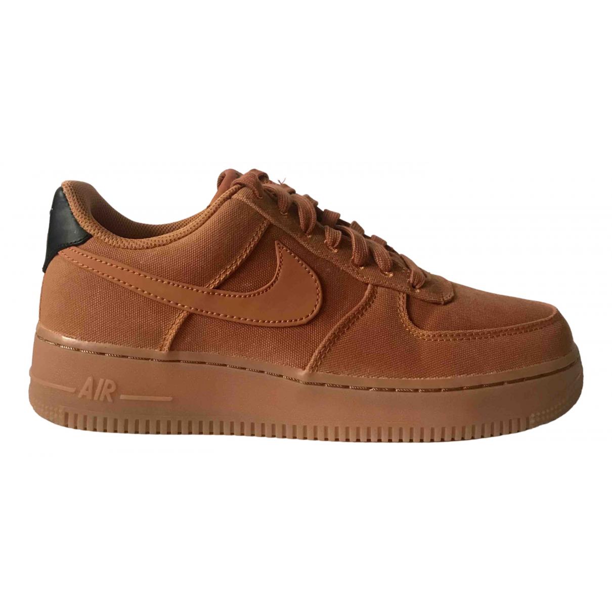 Nike Air Force 1 Sneakers in  Braun Leinen