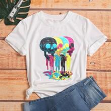 T-Shirt mit Schaedel und Farbtropfen Muster