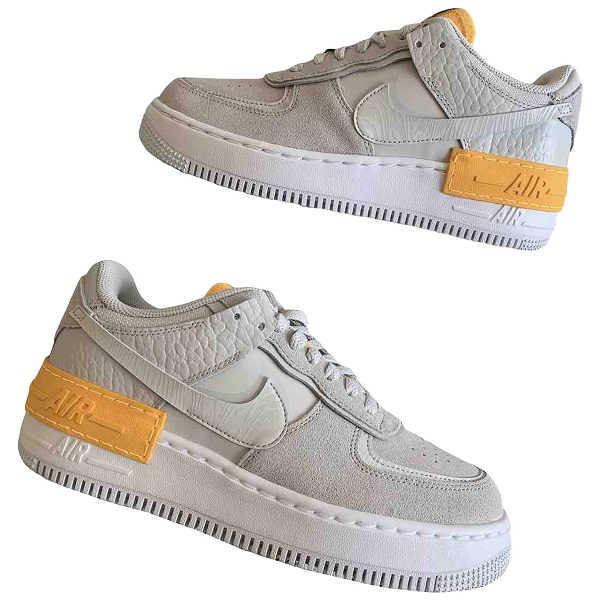 Nike Air Force 1 Sneakers in  Grau Veloursleder