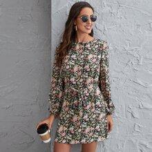 Vestido floral con cinturon de manga farol