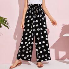 Hose mit Gaensebluemchen Muster, Papiertasche um die Taille und breitem Beinschnitt