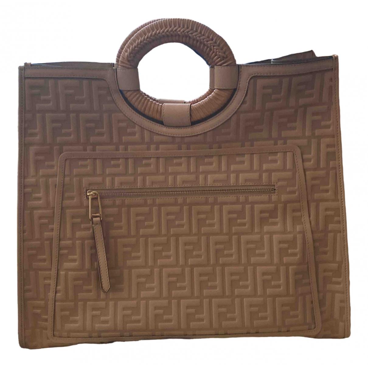 Fendi Runaway Shopping Handtasche in  Beige Leder