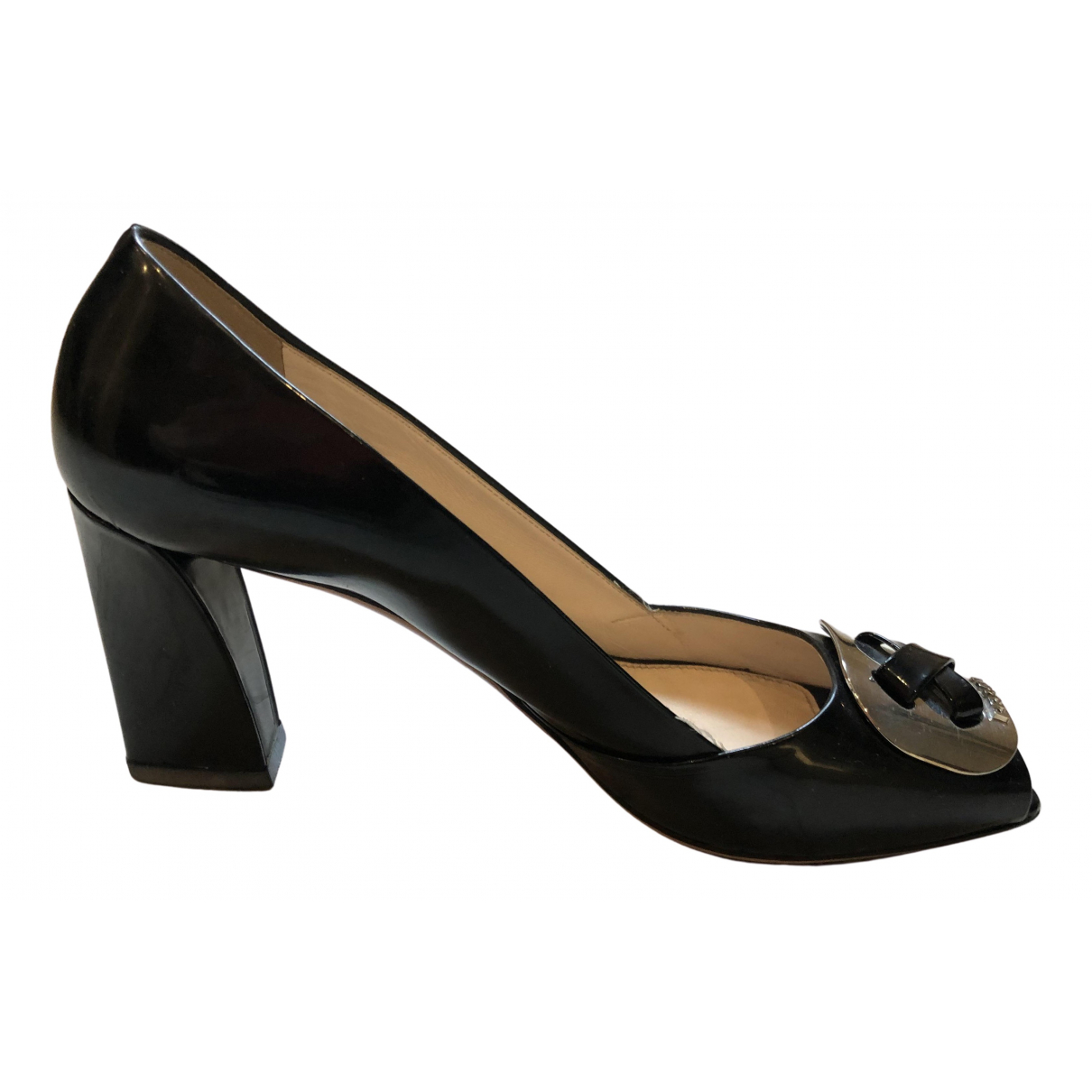 Prada \N Pumps in  Schwarz Lackleder
