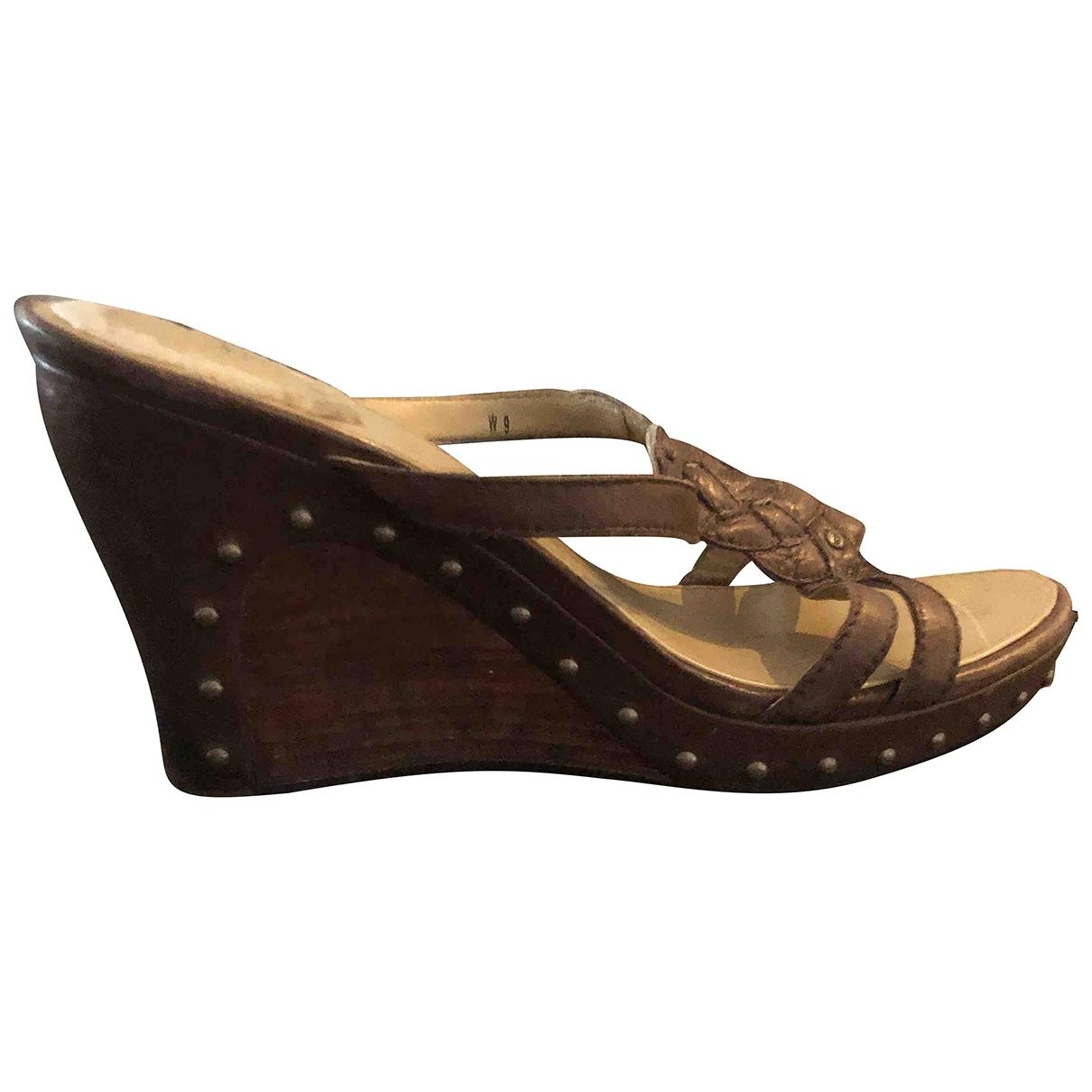 Ugg - Sandales   pour femme en cuir - marron