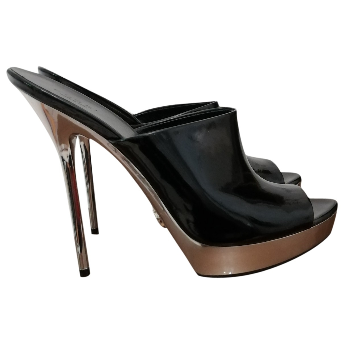 Gucci \N Black Patent leather Sandals for Women 38.5 EU