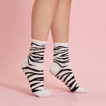 Socken mit Zebra Streifen Muster