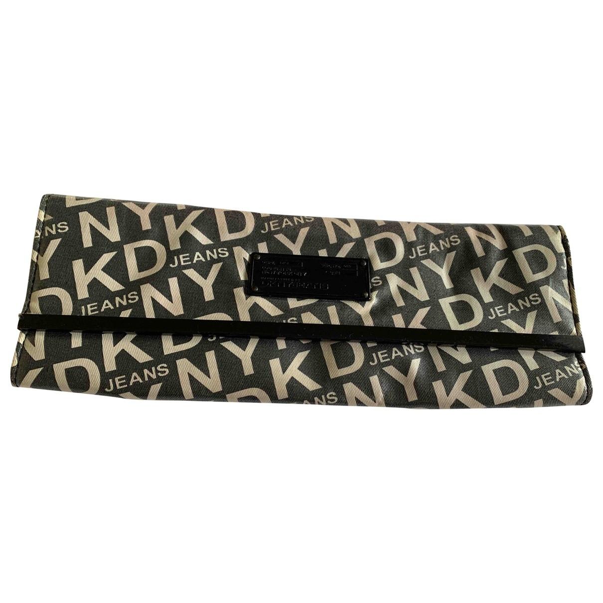 Bolsos clutch en Plastico Negro Dkny