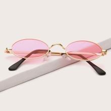 Sonnenbrille mit getonten Linsen und Metall Rahmen