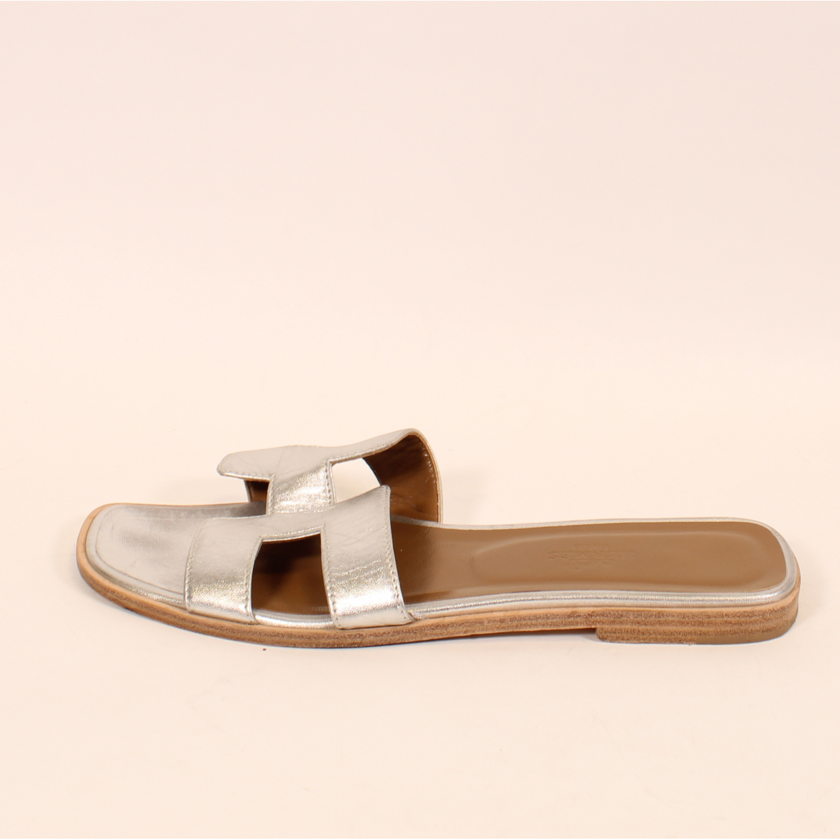 Hermès Oran Silver Leather Sandals for Women 39 EU