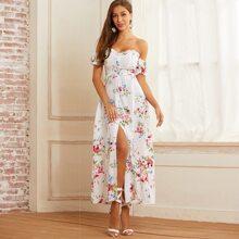 Schulterfreies Kleid mit Blumen Muster, Rueschenbesatz und Schlitz