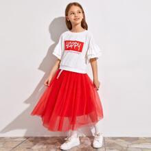 T-Shirt mit Buchstaben Grafik, mehrschichtigen Rueschen auf Manschetten und Rock Set mit Netzstoff
