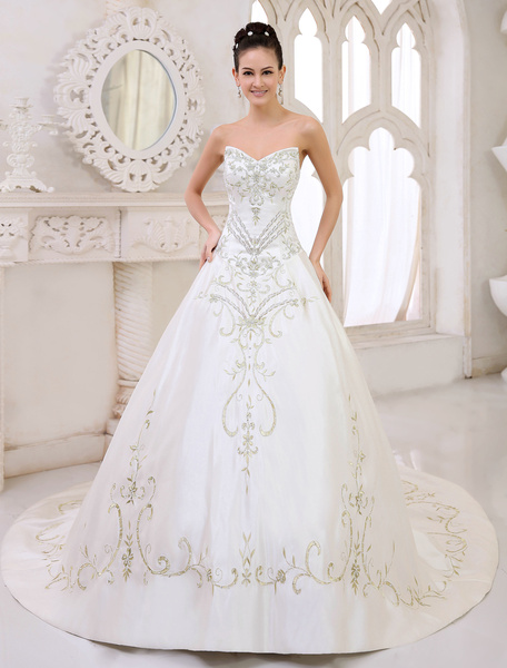 Milanoo Chapel Train Ivory A-line Embroidered Wedding Dress For Bride with Sweetheart Neck