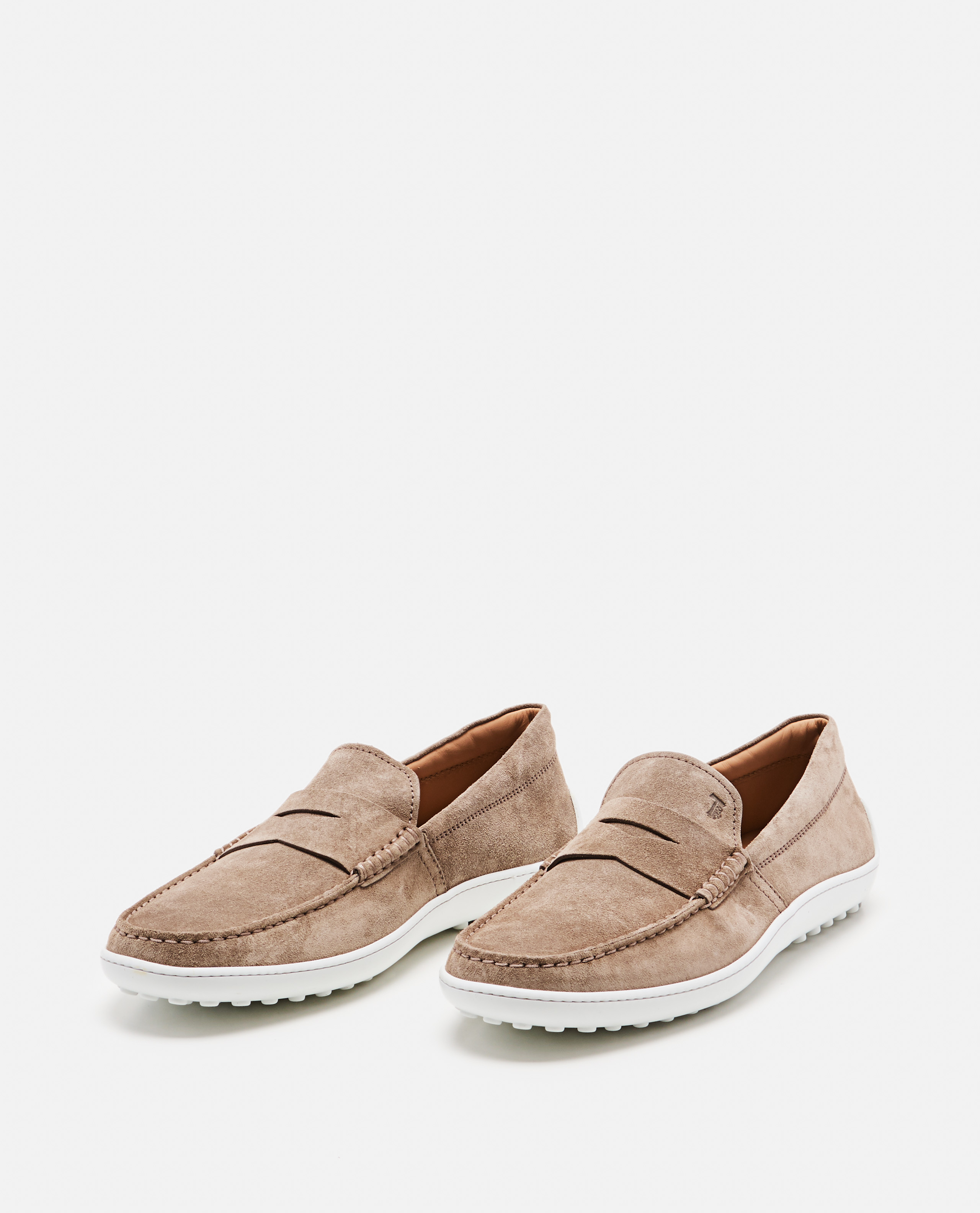 Loafers with contrasting sole