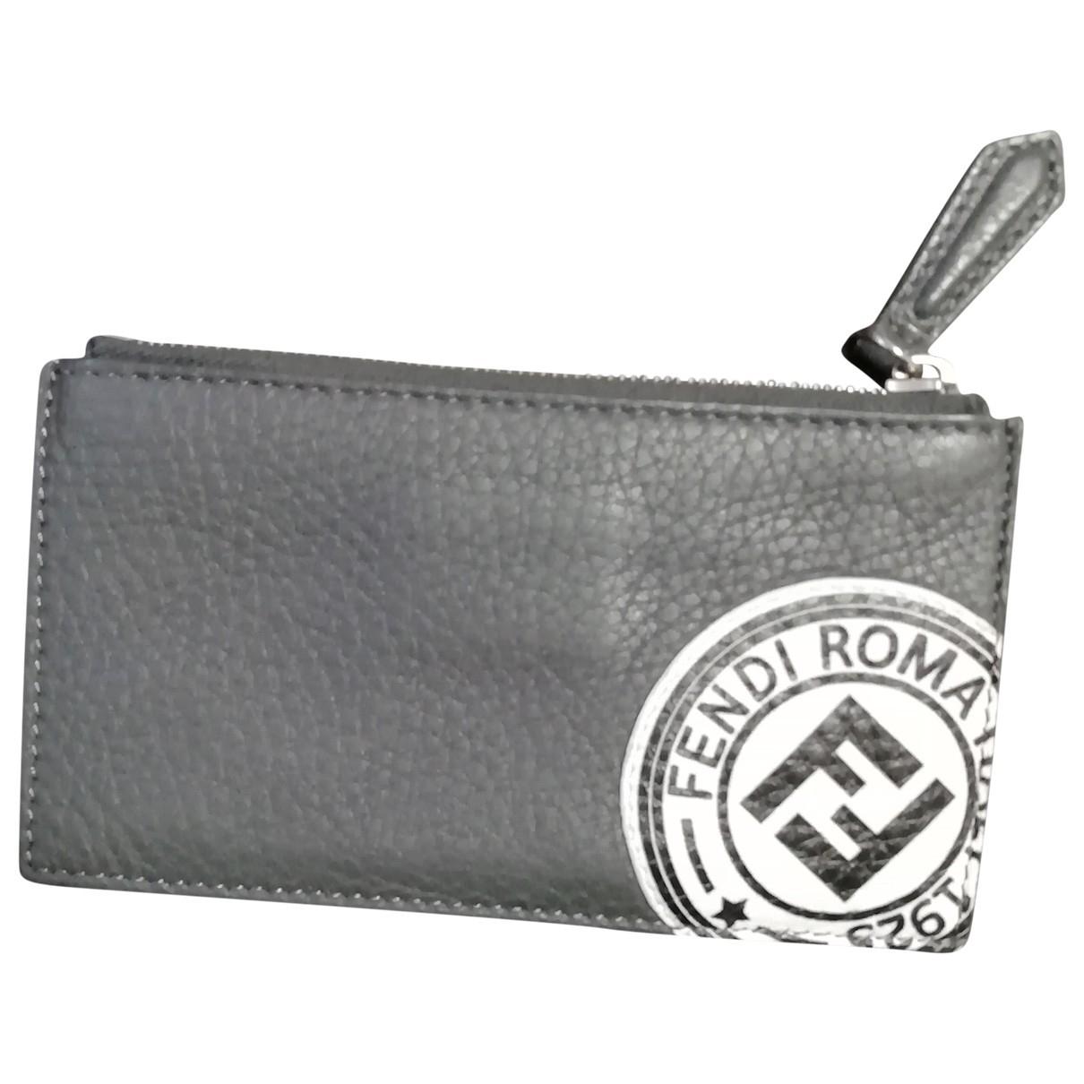 Fendi \N Portemonnaie in  Grau Leder