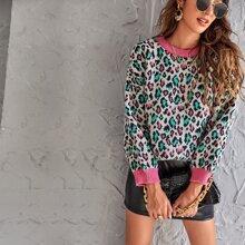 Pullover mit Kontrast Saum und komplettem Muster
