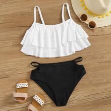 Maedchen Bikini mit mehrschichtigem Saum und Ausschnitt Detail