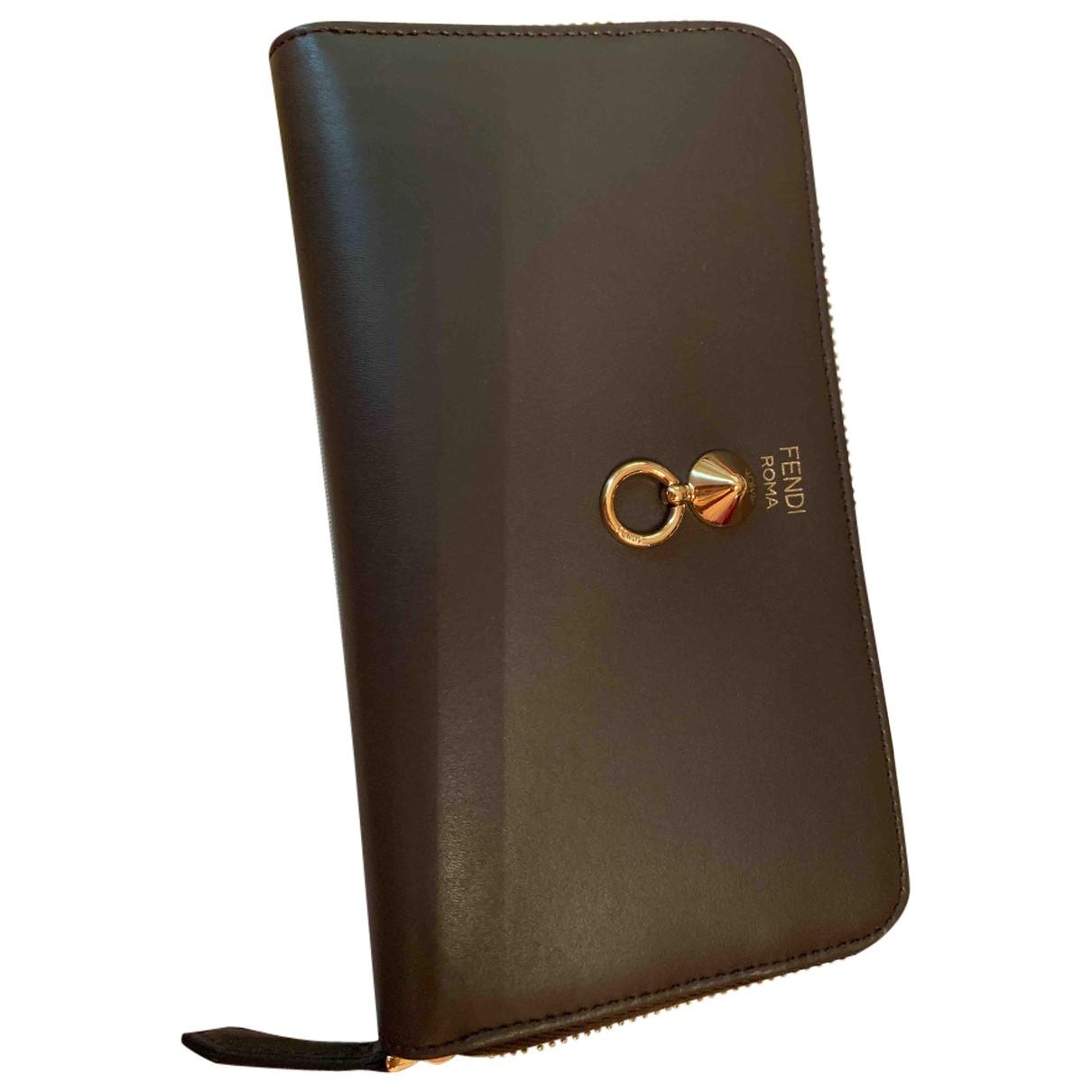 Fendi \N Khaki Leather wallet for Women \N