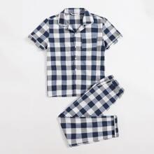 Conjunto de pijama top con boton de cuadros con pantalones