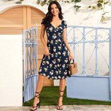 Kleid mit V Kragen, Gaensebluemchen Muster, Wickel Design und Guertel