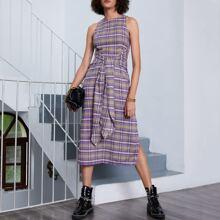 Kleid mit Band vorn, Schlitz und Karo Muster