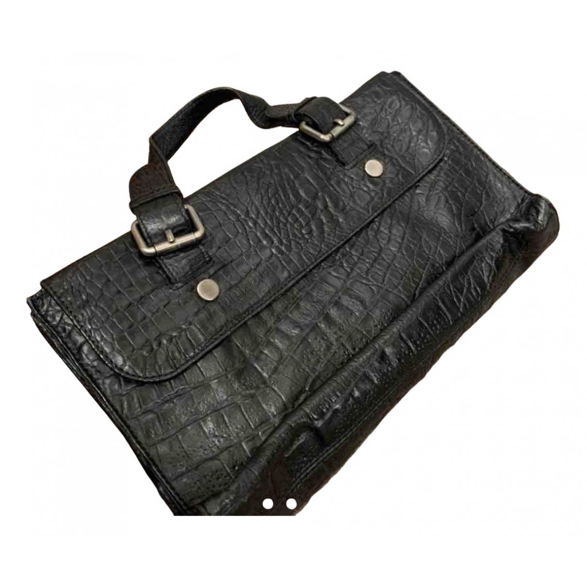 Zara \N Clutch in  Schwarz Leder