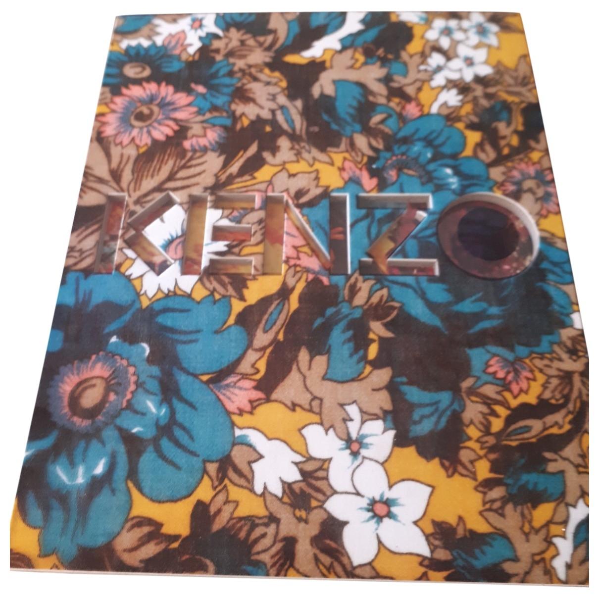 Kenzo - Photographie   pour lifestyle en bois