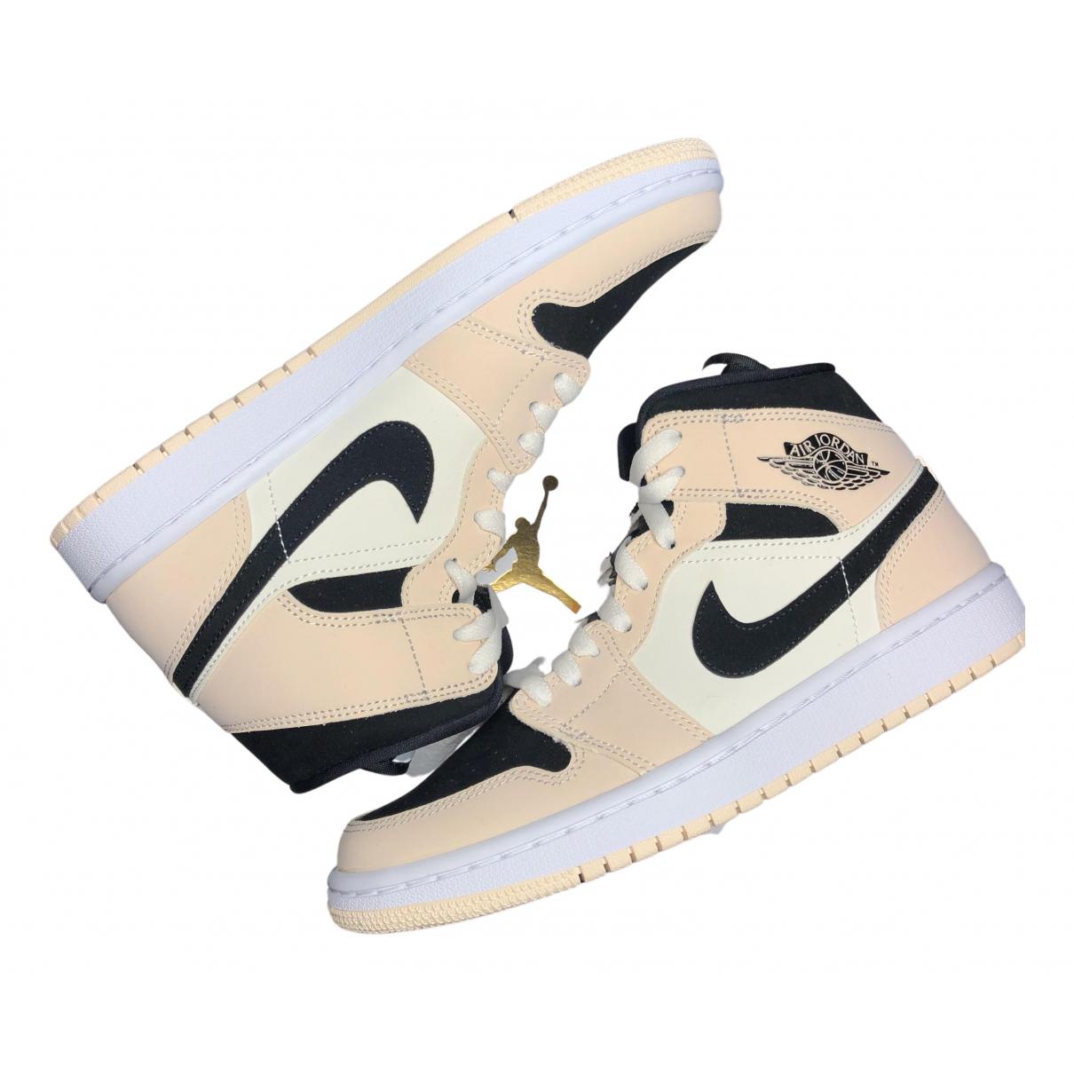 Jordan - Baskets Air Jordan 1  pour femme en suede - beige