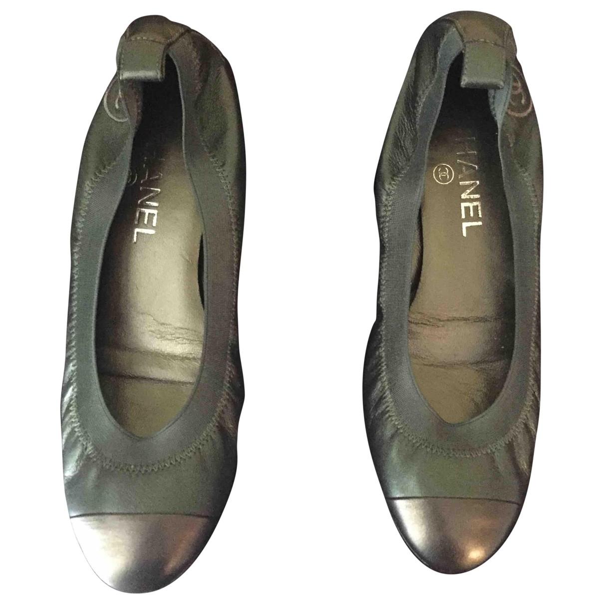 Chanel \N Green Leather Ballet flats for Women 37 EU