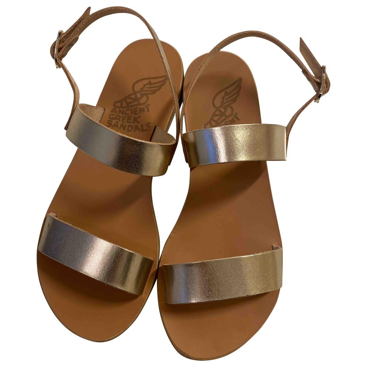 Ancient Greek Sandals - Sandales   pour femme en cuir - dore