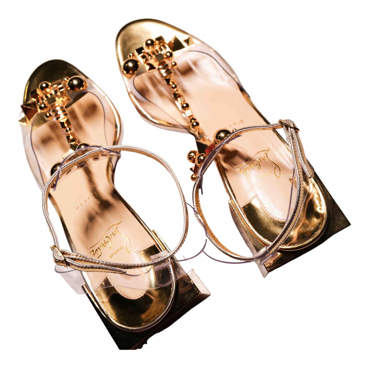 Christian Louboutin \N Sandalen in  Gold Kunststoff