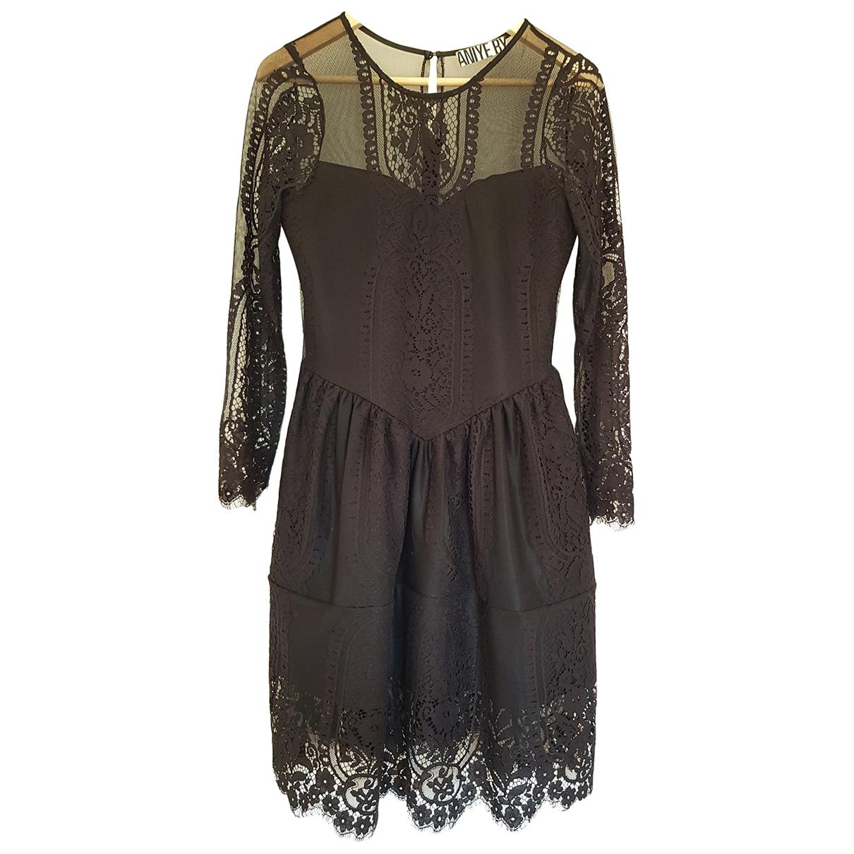 Vestido de Encaje Aniye By