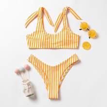 Bikini Badeanzug mit Streifen, Band auf Schulter und hohem Ausschnitt