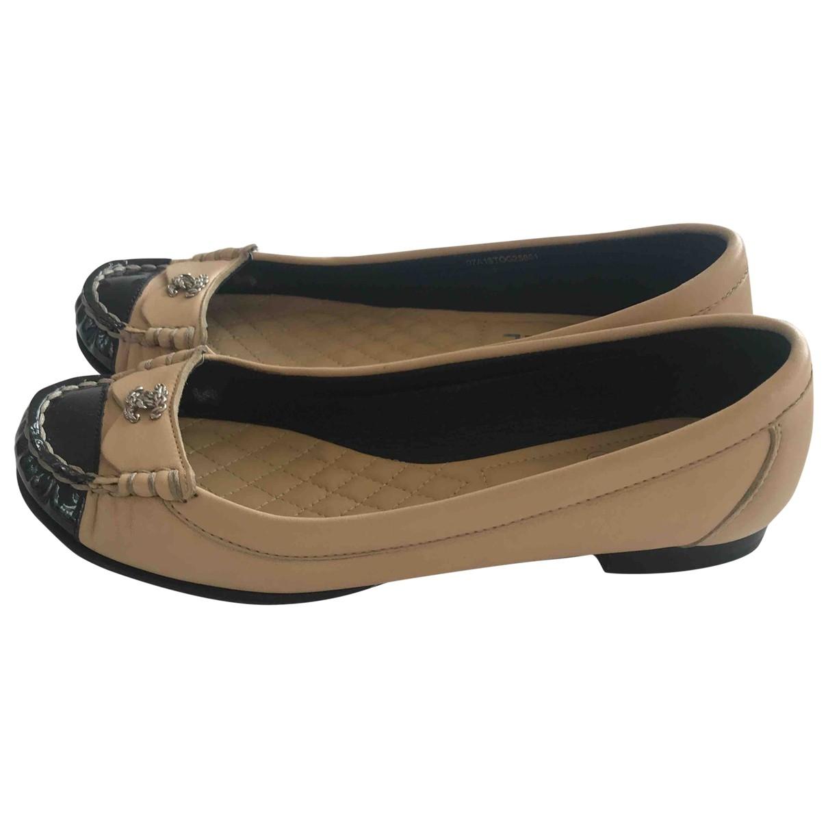 Chanel \N Beige Leather Flats for Women 37 EU