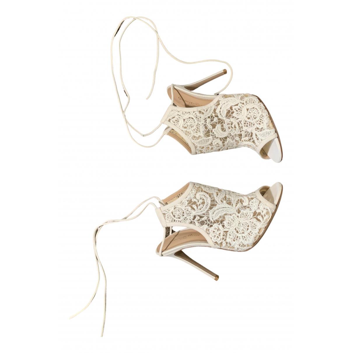 Gianvito Rossi N White Cloth Heels for Women 39 EU