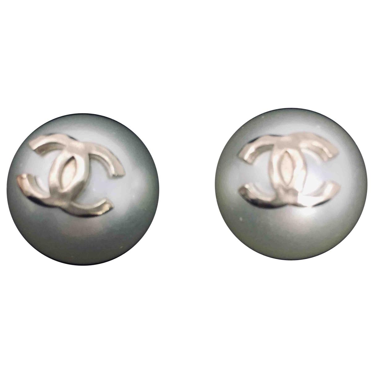 Chanel CC OhrRing in  Weiss Perlen
