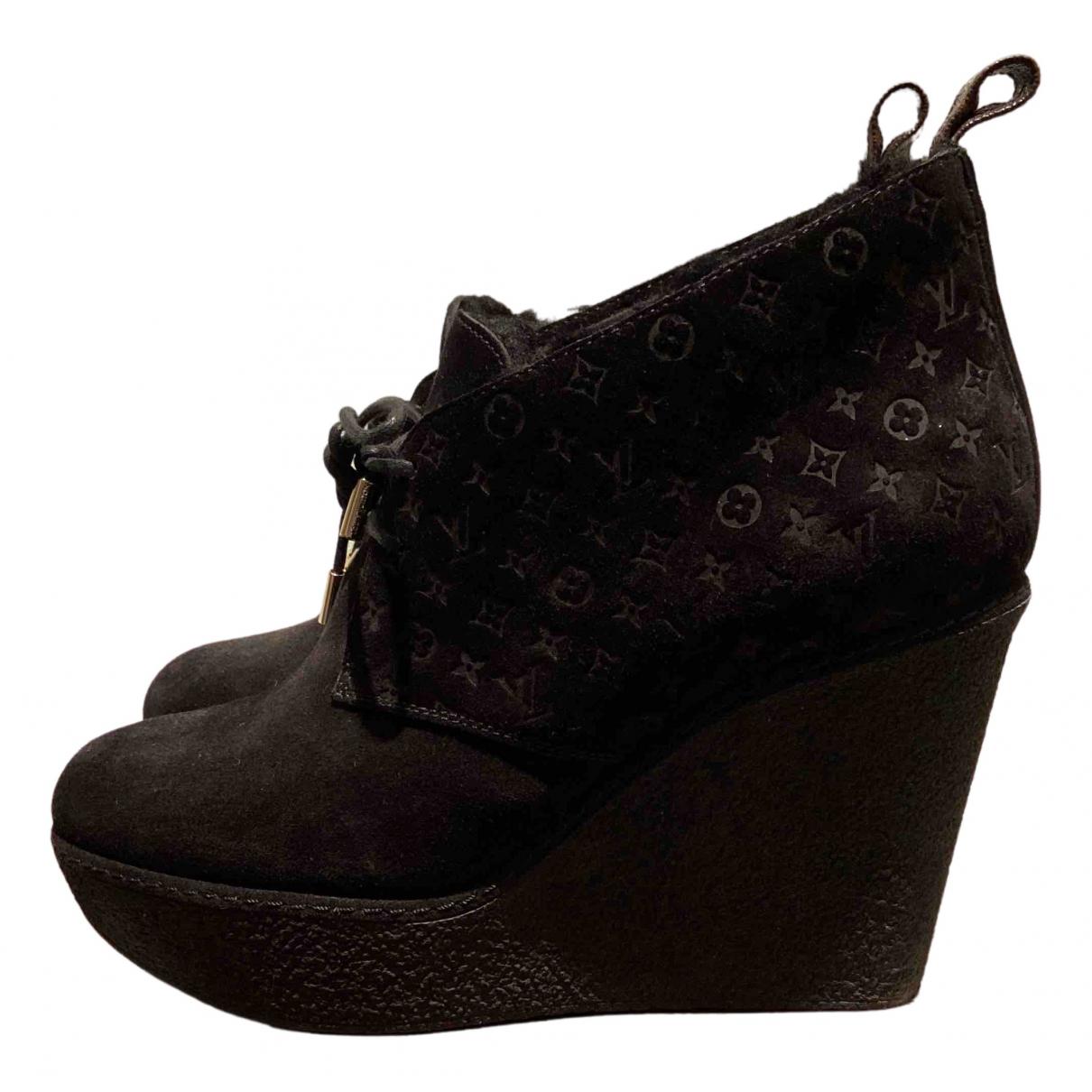 Louis Vuitton \N Stiefeletten in  Schwarz Veloursleder