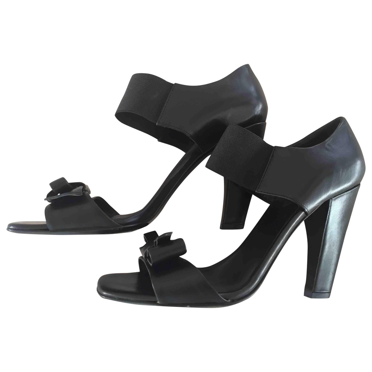 Prada \N Sandalen in  Schwarz Leder