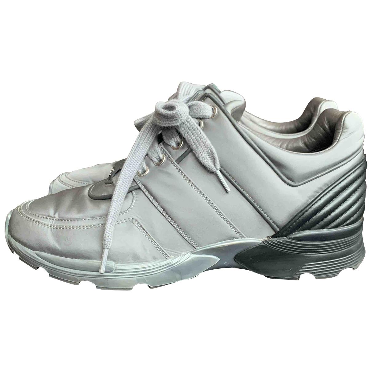 Chanel \N Sneakers in  Grau Polyester