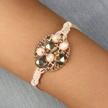 Armband mit Ausschnitt und Metall Dekor
