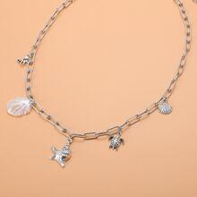 Halskette mit Muschel Anhaenger und Kette