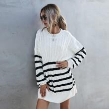 Pulloverkleid mit Fledermausaermeln und Streifen