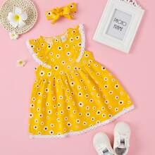 Kleid mit Raffung, Spitzenbesatz und Blumen Muster